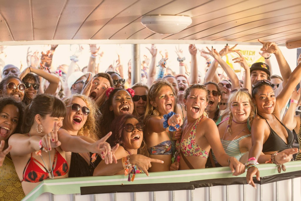 Outlook - boat party girls - credit Jack Pasco