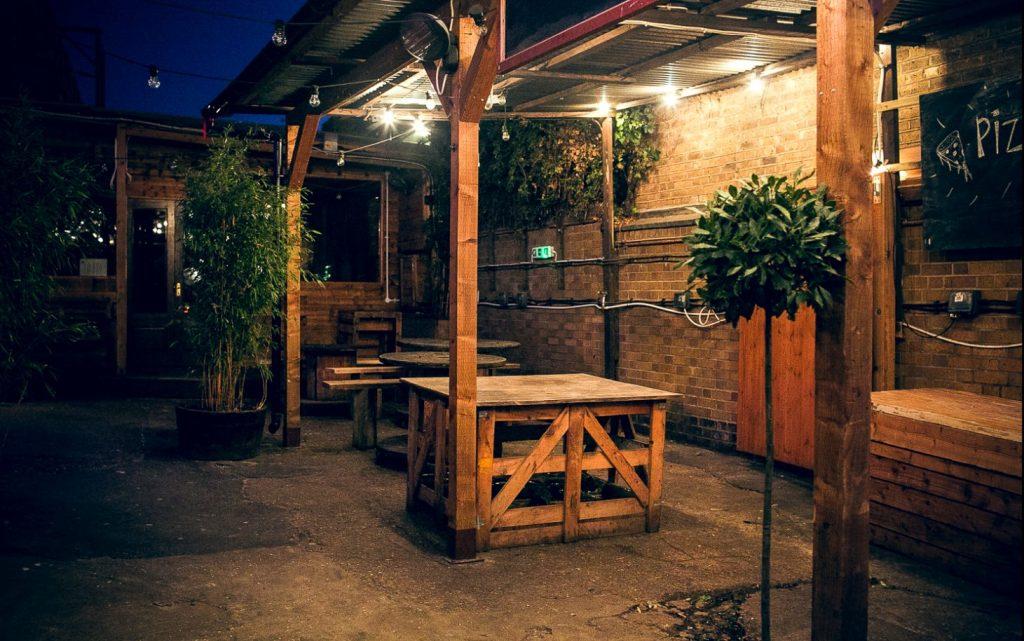 the-brewhouse-smoking-area